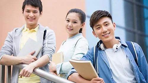 放宽留学生签证政策 英国在全球化面前放低身段