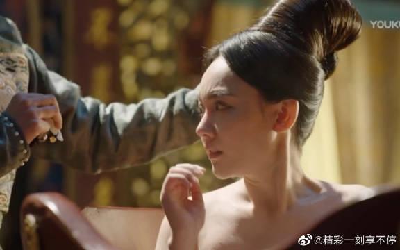 @邓家佳 @孙骁骁 朴妃侍寝!哈哈哈不是应该裹着被子被抬过去吗!