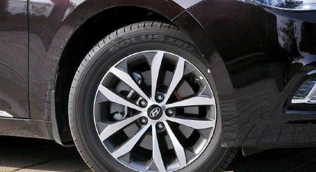 工薪都能买起的豪车!搭载V6带可变悬架,国外热购,国内不识货