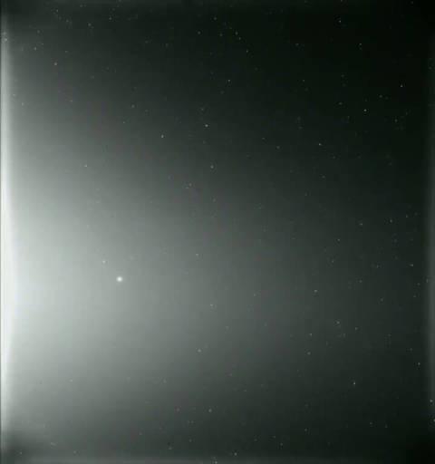 这是NASA的帕克号太阳探测器在2019年4月的连续10天内拍摄的画面