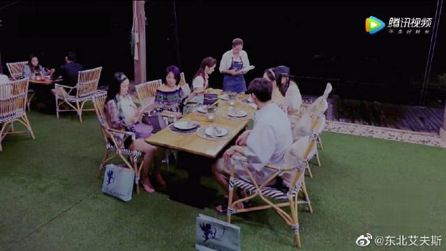 魏大勋点菜展示优秀的散装英语,真的是得到了谢娜的真传!