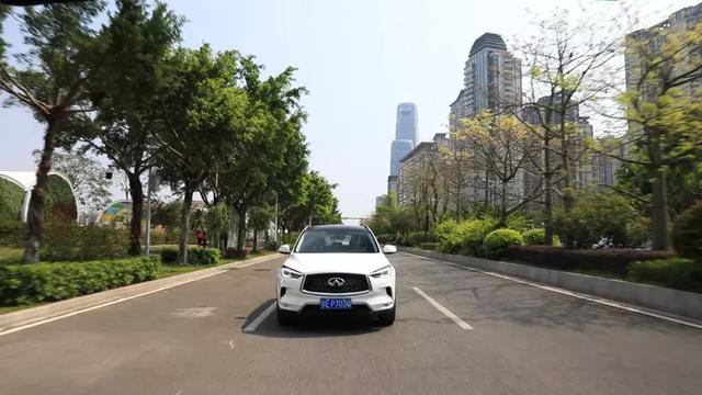 《试车》众多安全配置加持,英菲尼迪QX50无愧最稳健SUV称号