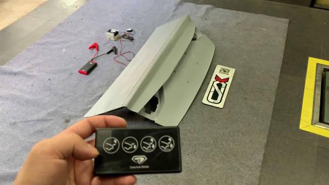 奥迪S3 后尾箱电动升降尾翼 手动/自动两种模式控制 演示视频