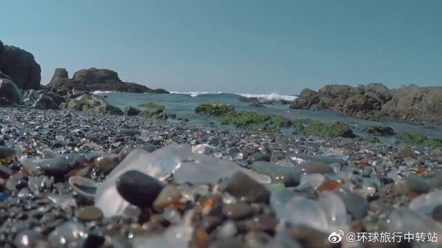 """童话世界!加利福尼亚有个""""宝石""""海滩"""