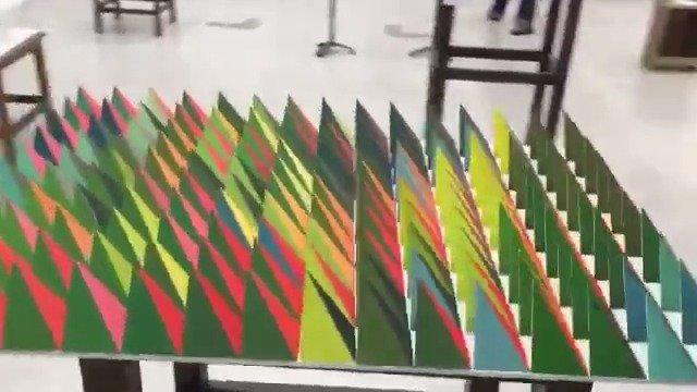 日本网友做了一个角度不同会更换季节的立体艺术~