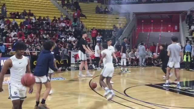 加州南部地区分区决赛,塞拉峡谷高中对阵马特代高中!