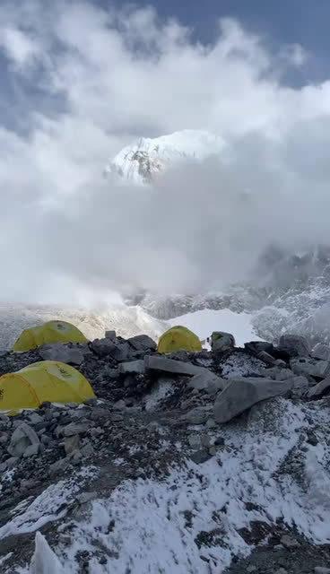 哺乳动物的人对极高山有一种天生的恐惧