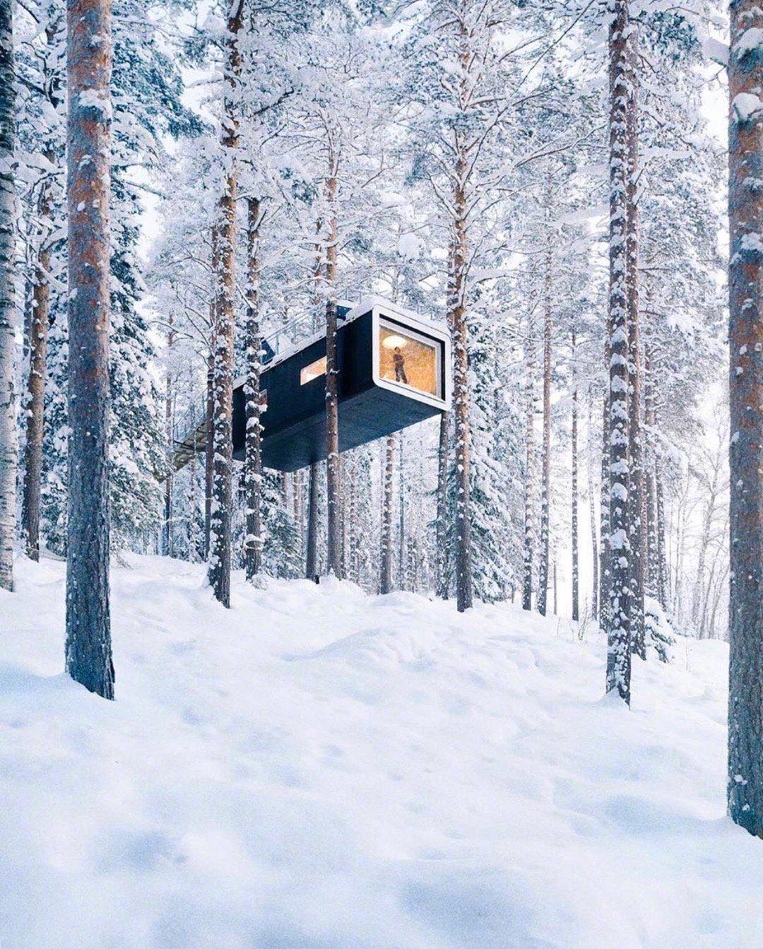我在想这冰天雪地的小屋中供暖是不是只能靠柴火了