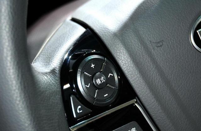 比亚迪M6不会让人失望,驾驶有保障,可以买台自己开