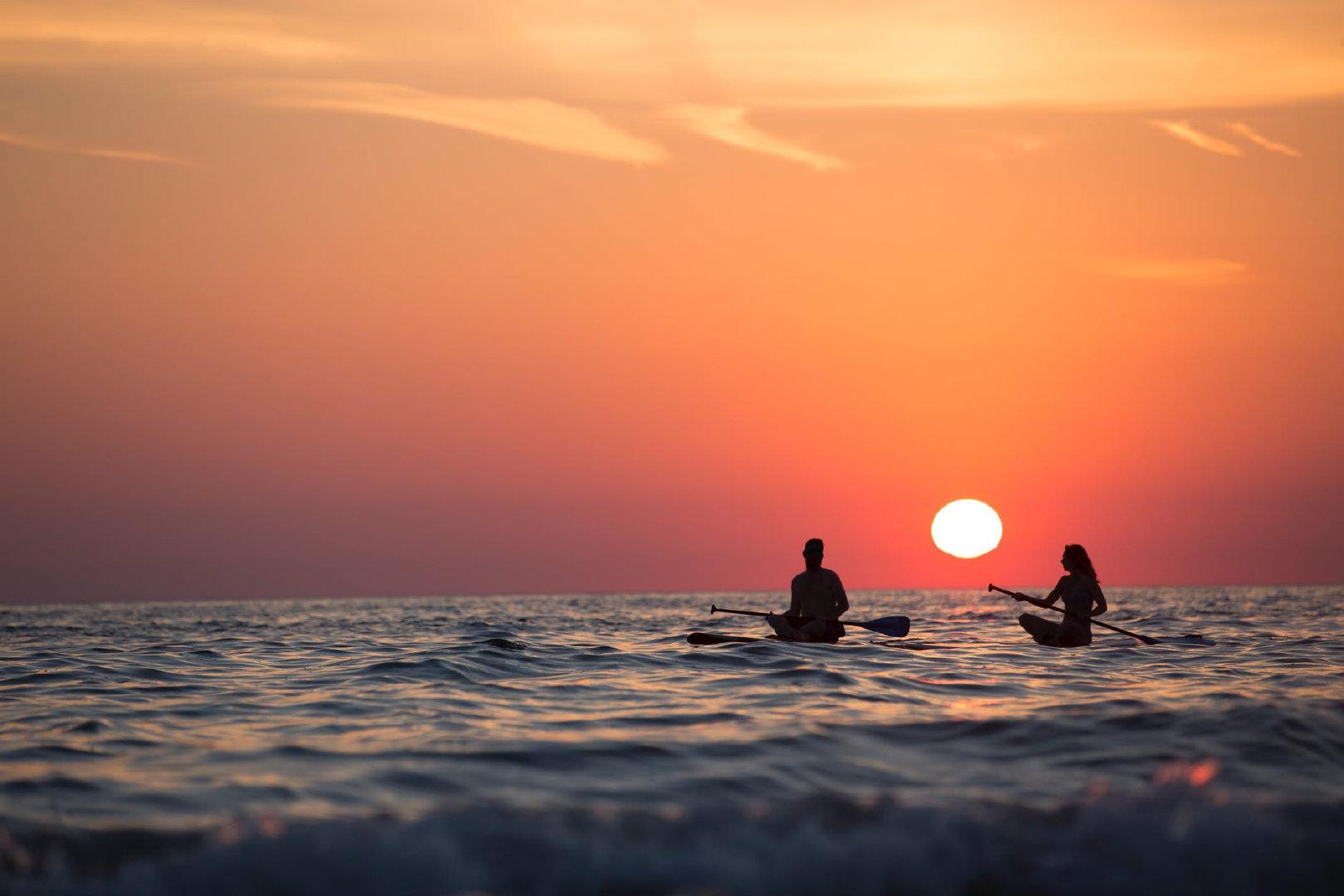 很多人会期待在世界上遇到一个和自己无比相似的人,跨越千山万水