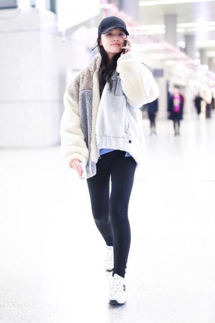 甜美女神林允时尚造型,气质清新,可爱灵动,元气满满似