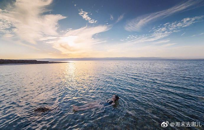 死海,位于以色列、约旦和巴勒斯坦之间,这里没有潮起潮落