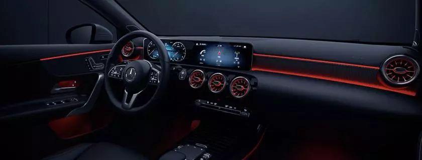 售25.78-27.38万,全新梅赛德斯-奔驰A级两厢版上市