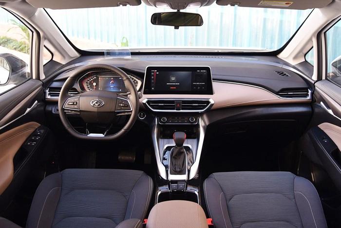 上汽大通G50实车曝光,比途安漂亮,比GL6霸气,不足10万