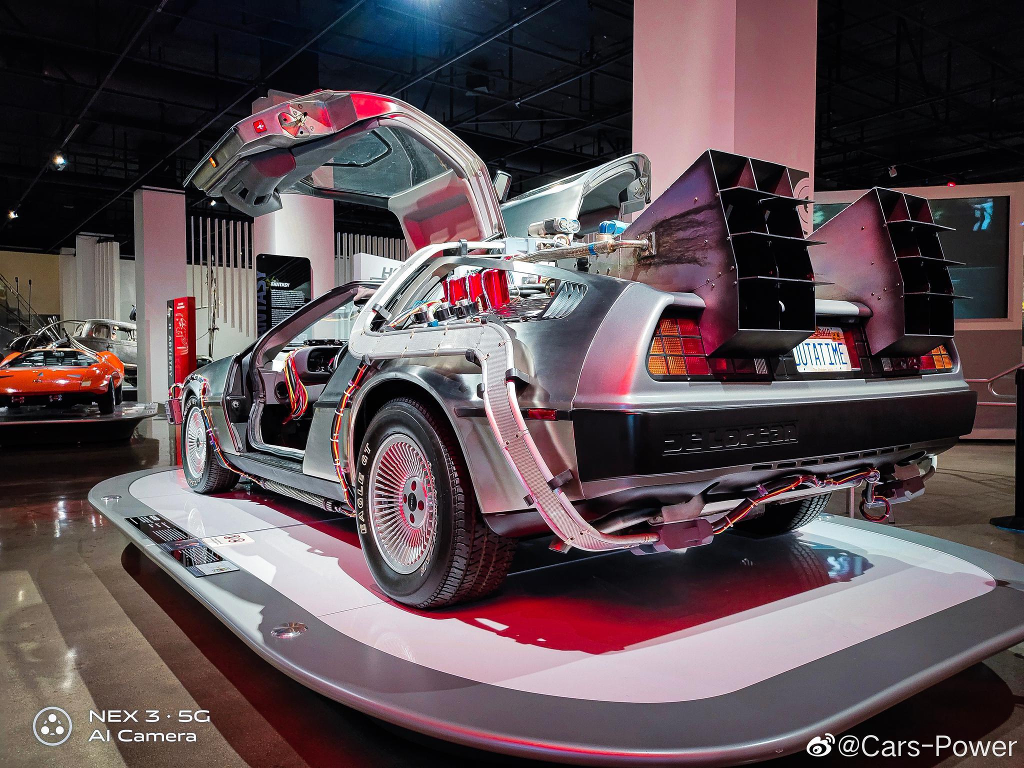 18张高清实拍洛杉矶彼得森汽车博物馆镇馆之宝