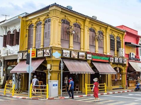 普吉岛不一样的风情,普吉老街中葡建筑个性风格,游客热门打卡地