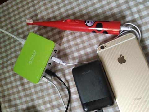 外出办公,简洁方便; 奥睿科 CSA-5U智能多口USB充电器上手