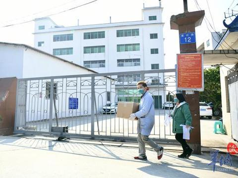 记者实地走访:广州口罩生产企业急聘大量员工