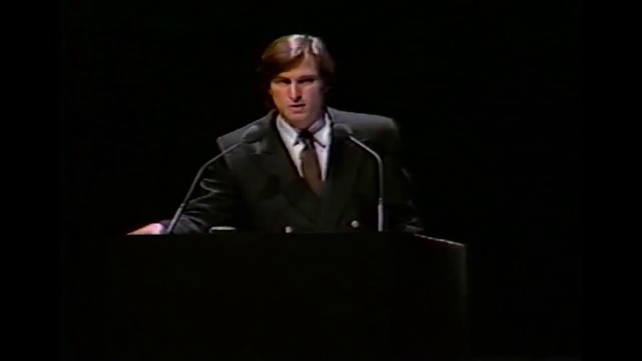 36年前的今天,Macintosh电脑发布