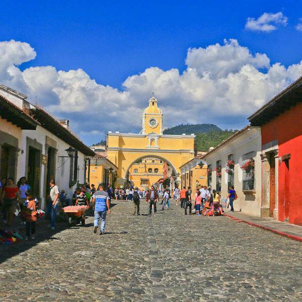 危地马拉古城安地瓜,封入了时间胶嚢的古城。1541年因为火山爆发