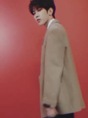 蔡徐坤《快乐大本营》最新预告:酷帅少年正向你走来