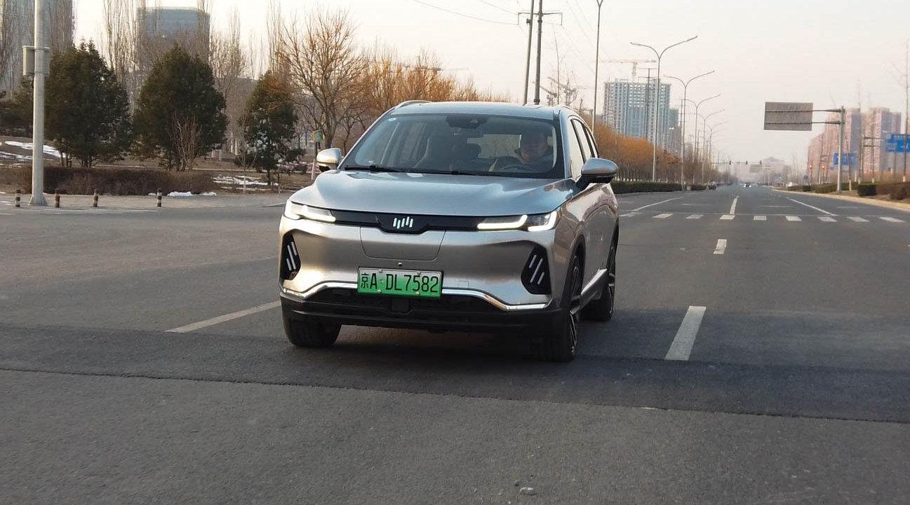 比唐EV更便宜 比途观L外观更大 威马EX6 Plus进步明显