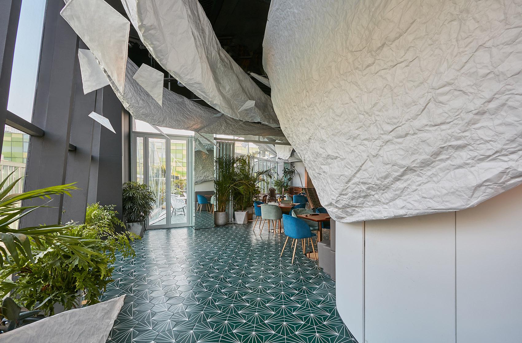 soda建筑事务所 光影流动的云中餐厅 akatoao赤青餐厅