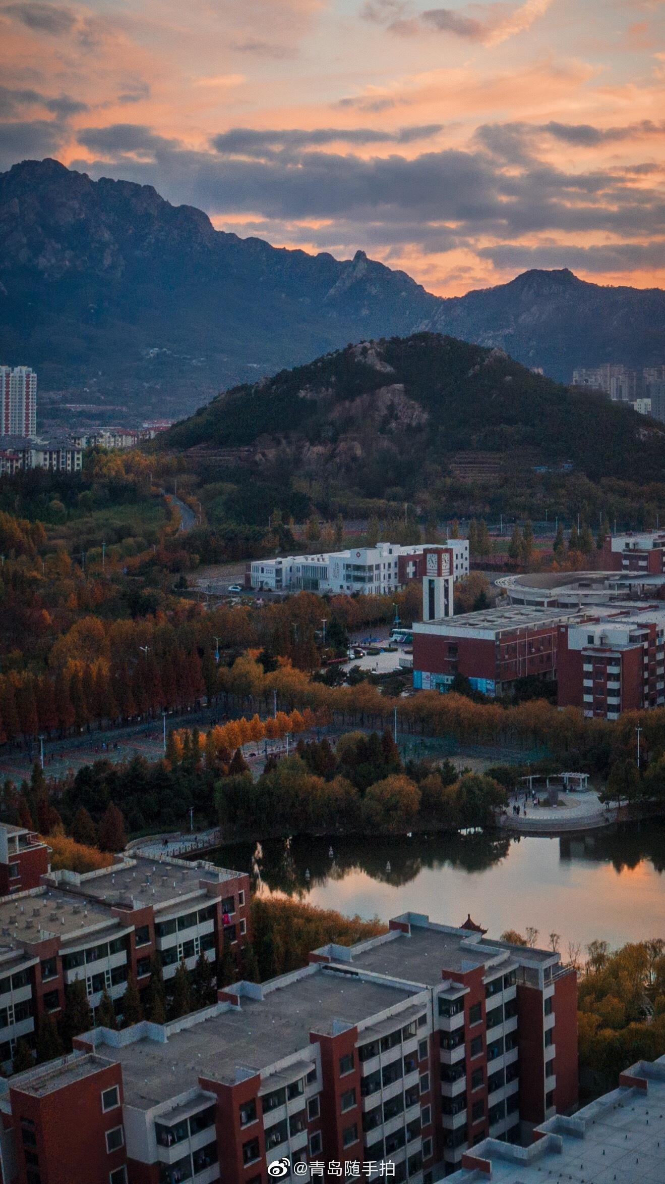 青岛醉美大学,入冬的山科是这样的 @山东科技大学 摄影/@李言之-