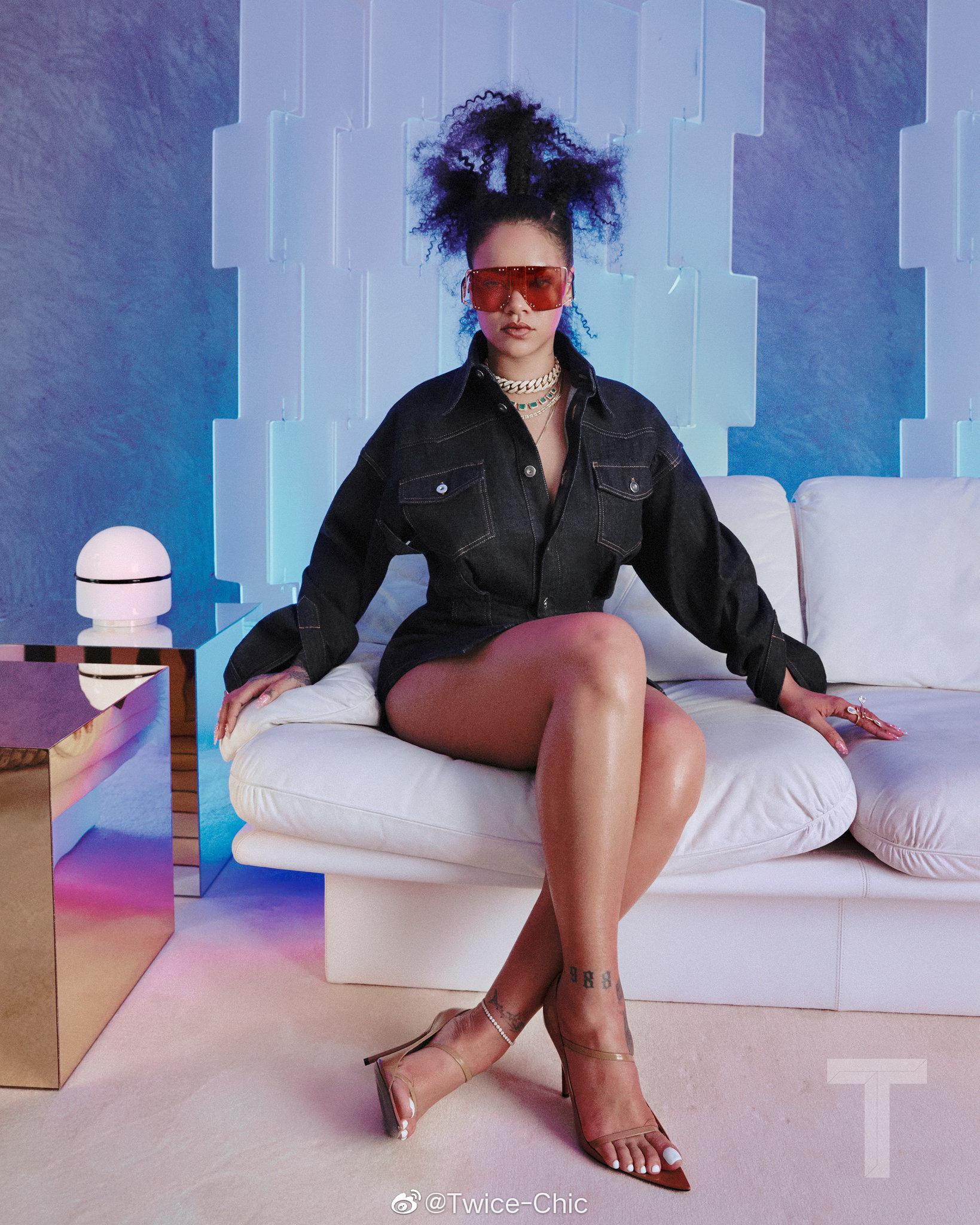 "Rihanna x 纽约时报T杂志新刊大片   在采访中再次确认新专""R9""已在"