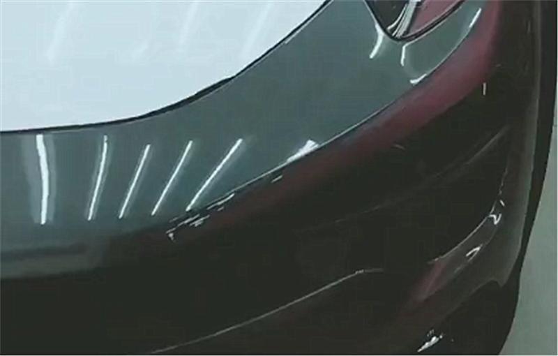 15万领克01现4S店,本不会注意,但车窗上几个字实在幽默!