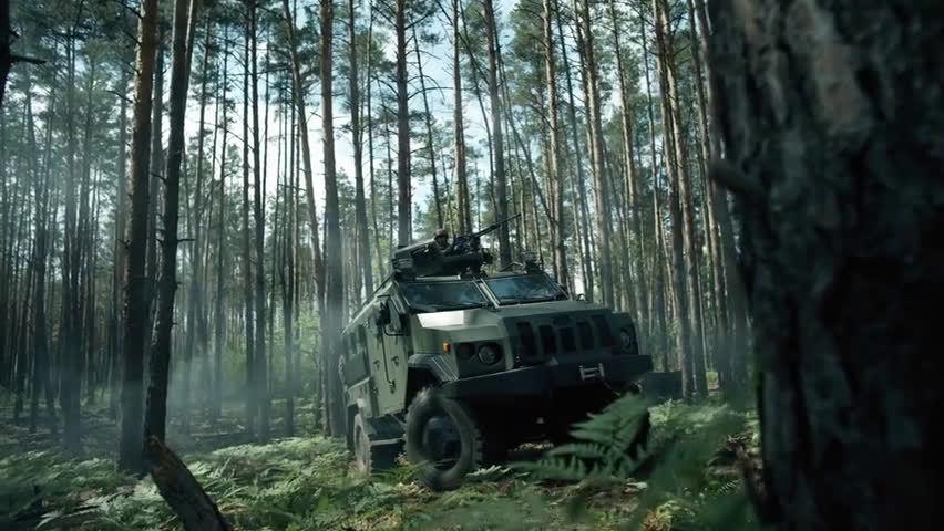 """乌克兰""""瓦尔塔 - 创新""""轮式防雷装甲车。"""