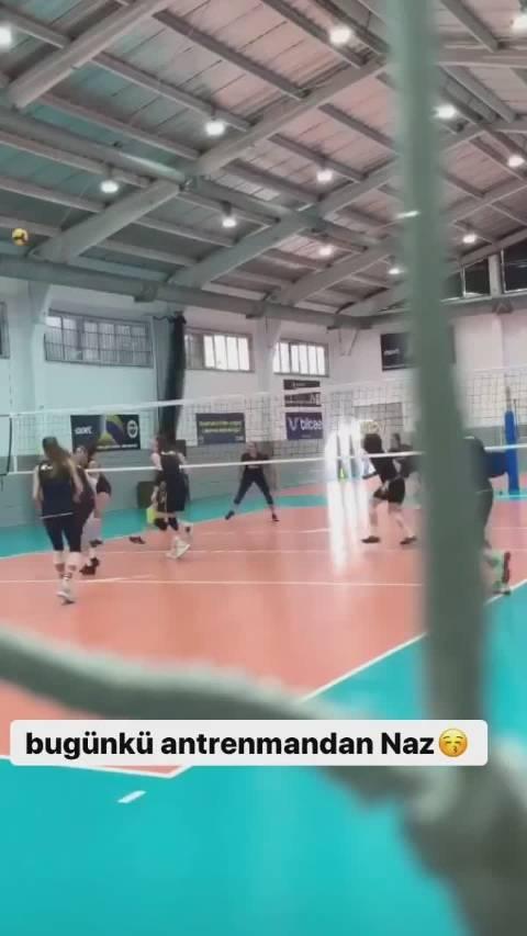 土耳其费内巴切俱乐部训练。