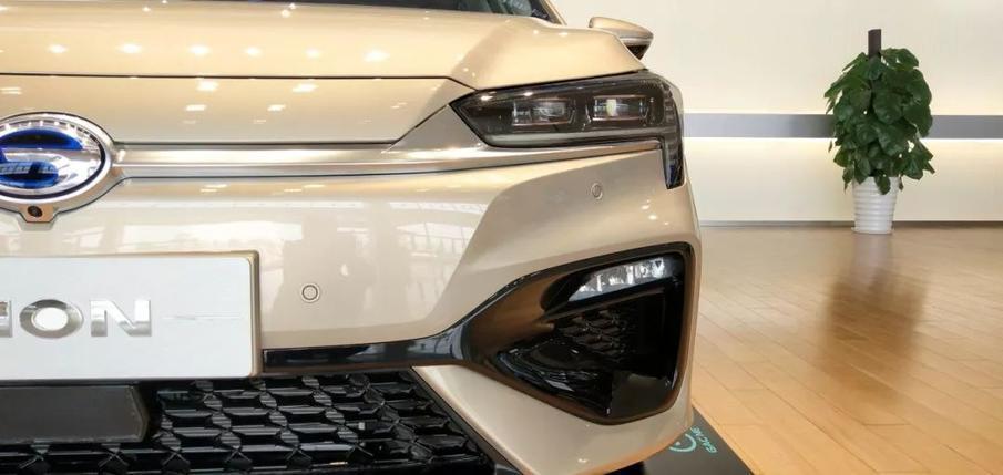 没上市就火了!这款新能源车究竟什么来头?
