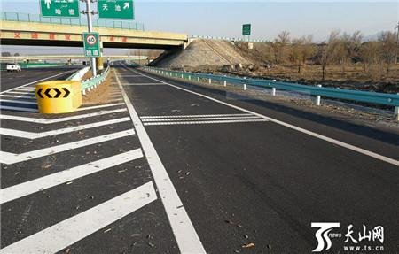 环乌高速路2条主线34座立交桥怎么通行?高速交警详细解析请看这里