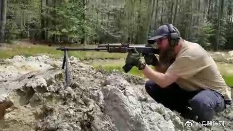 较为少见的罗马尼亚RPK轻机枪,乍一看这就是一杆AKM步枪