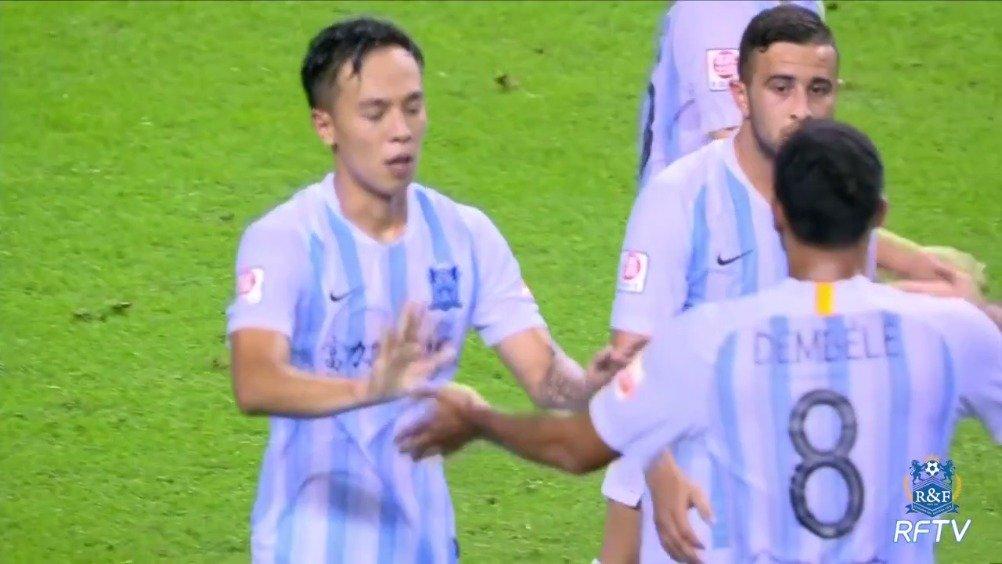 截止至第23轮,广州富力球员@叶楚贵 叶楚贵贡献2粒进球2次助攻