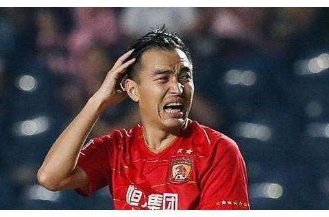 冯潇霆确实老了,但冯劲这个进球真不能赖他,恒大后防坑太多
