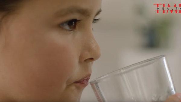 大口灌水能给身体补充水分吗?怎样喝水才能真正发挥作用