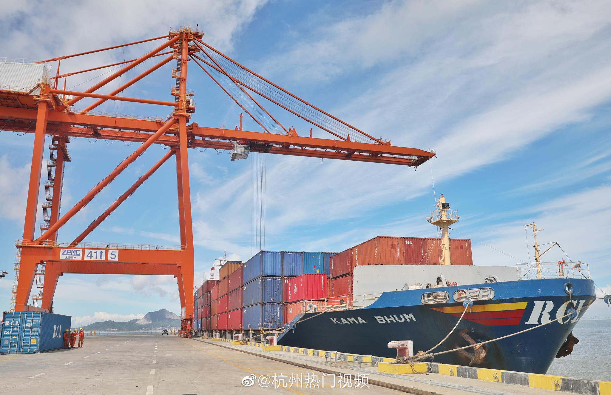温州国际邮轮港是全国沿海25个主要港口之一和国家重要枢纽港