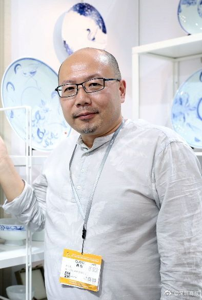 青花仙鹤飘逸灵动,高大庆携陶瓷艺术作品亮相文博会