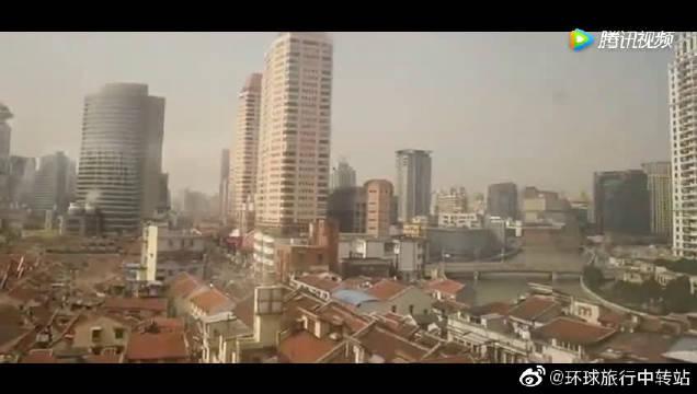 外国美女日本旅游后到中国旅游,虽然很疲惫但是掩盖不了兴奋!