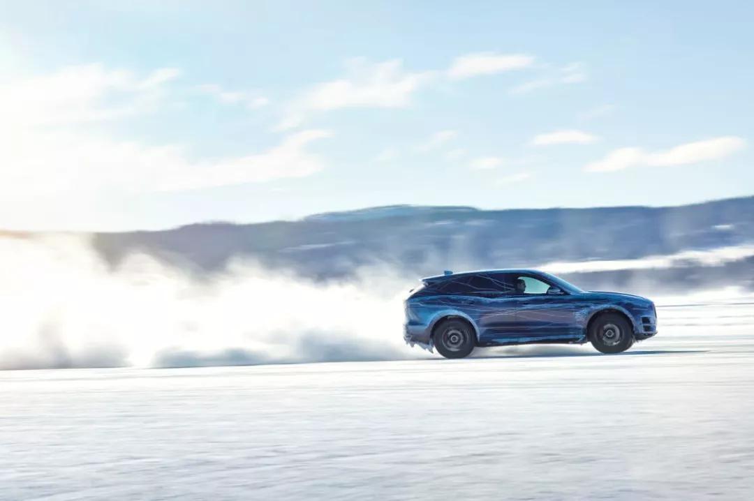 """加速、攻弯、漂移...""""豹子车""""开起来就是这么爽"""