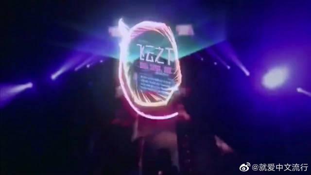 林俊杰韩红现场尬歌《飞云之下》,为神仙合唱点赞!