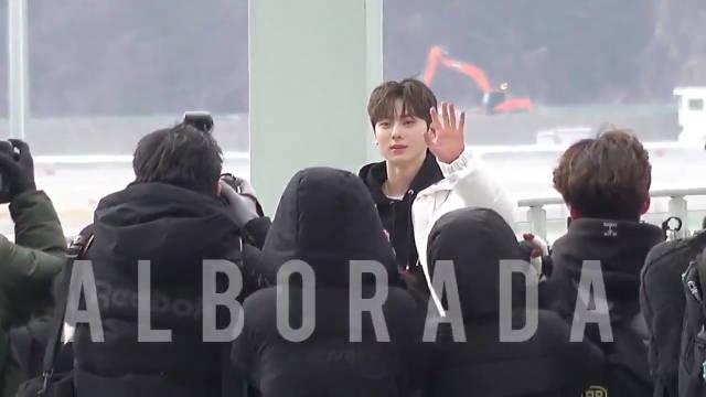 200217 仁川机场出境 饭拍视频一则Alborada089官咖