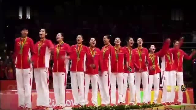 """经典重温: 获得""""2016CCTV体坛风云人物""""年度最佳团队奖"""