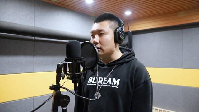 来自大连@BdreaM文化传媒工作室 的beatboxer啊逸 ,非常强悍的bass