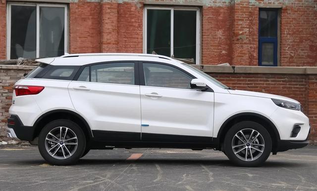 福特销量最好SUV,长达4米5,140匹+CVT配独立悬挂,才卖10万起