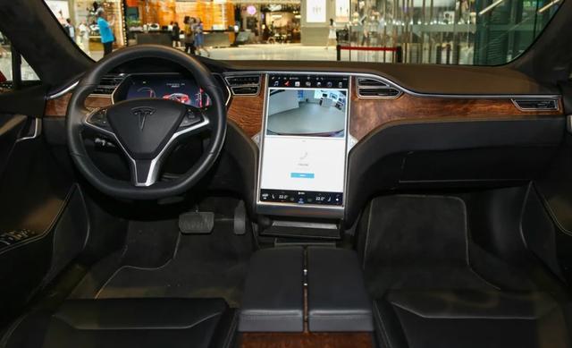玩屏专家?拜腾公布量产车细节,48英寸屏真的很浮夸!