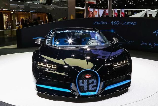 布加迪Chiron:此车外观比较帅气,看起来运动范十足