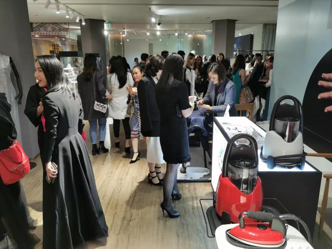 高端熨烫品牌LAURASTAR守护外滩二十二号时尚峰荟高光时刻!